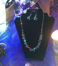 Beaded_necklace
